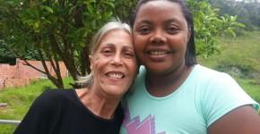 Anete (à esquerda) com a Missionária Roberta, coordenadora